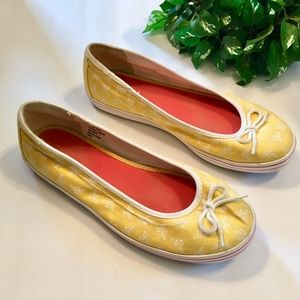 L.L. BEAN RARE Bee Print Yellow Slip On Shoes 8W